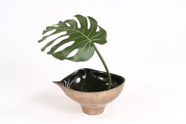 Single Silk Philodendron Leaf with Black Rocks in Bronze Finish Leaf Bowl