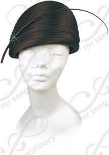 Year-Round Structured Beret with Feather Accent Church Hats