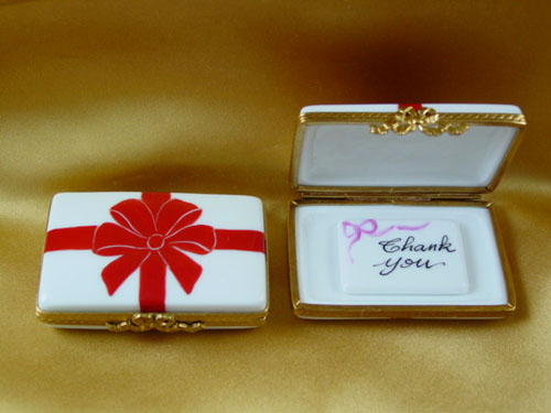 Gift box with red bow - Thank You