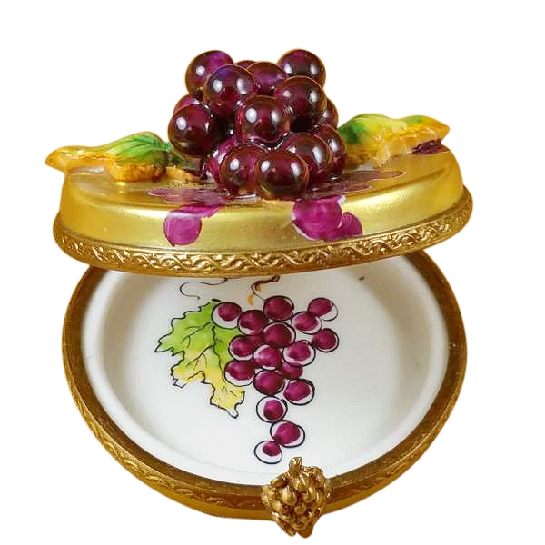 GRAPES ON GOLD OVAL