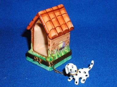 DALMATION W/DOG HOUSE
