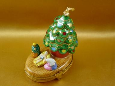 Christmas tree with nativity