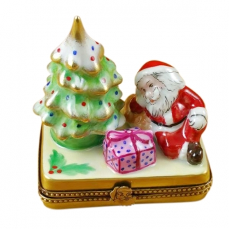 Christmas tree w/santa & gifts