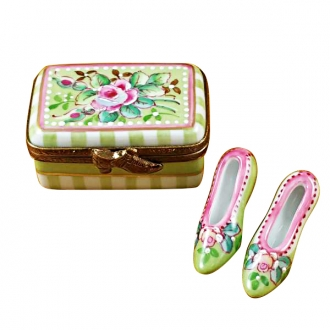 Shoe box w/shoes - victoria..