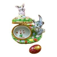 Bunnies with eggs