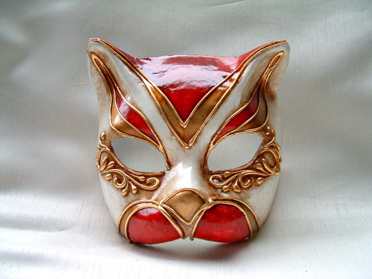 Cat Monica Red Venetian Mask