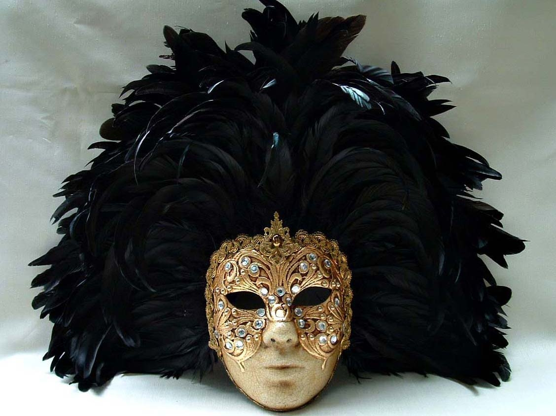 Full Gold Macrame Face Black Feathers