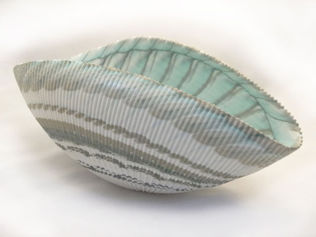 Large Shell Murano glass Ivory and Turquoise Folded Bowl