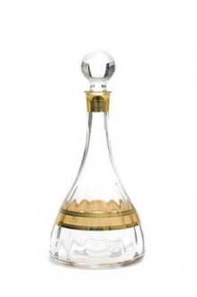 Wine Decanter with Amber Gold Design