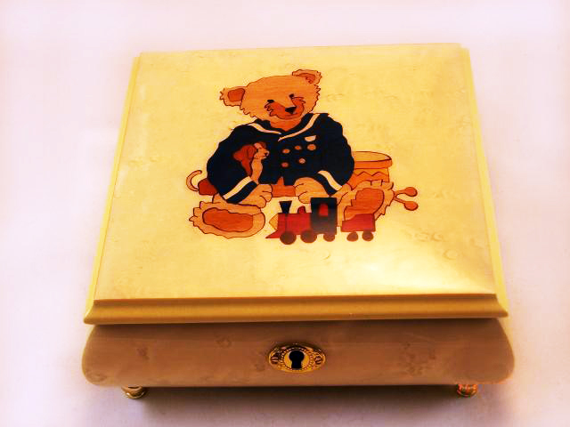 Teady Bear White High Gloss Music Box