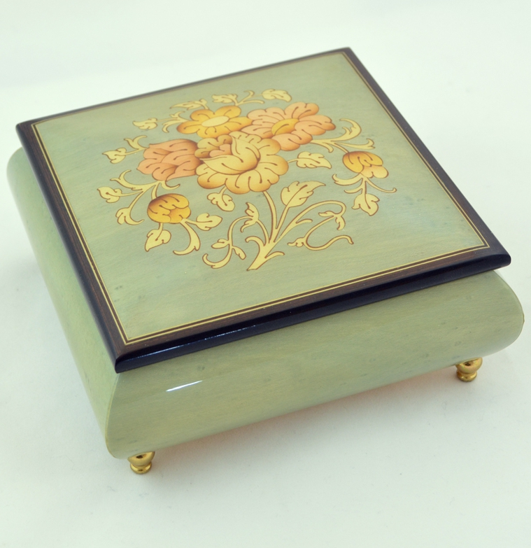 Sorrento inlaid music box with Flowers