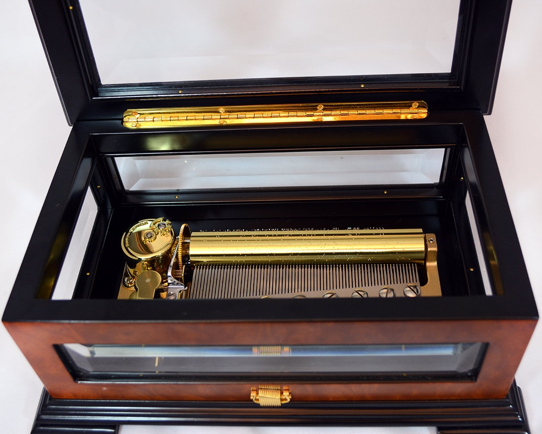 Crystal and elm luxury 72 note music box