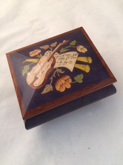 High Gloss purple color music box with violin inlay