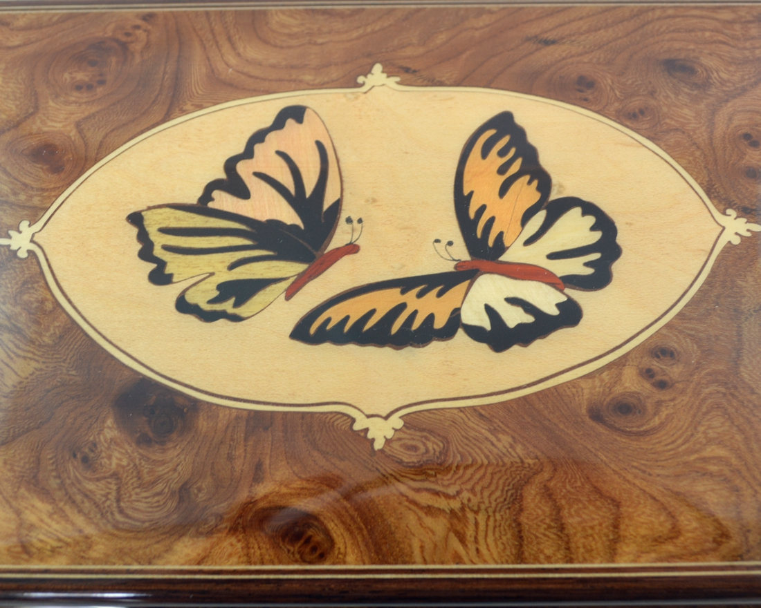 Butterflies inlay music box