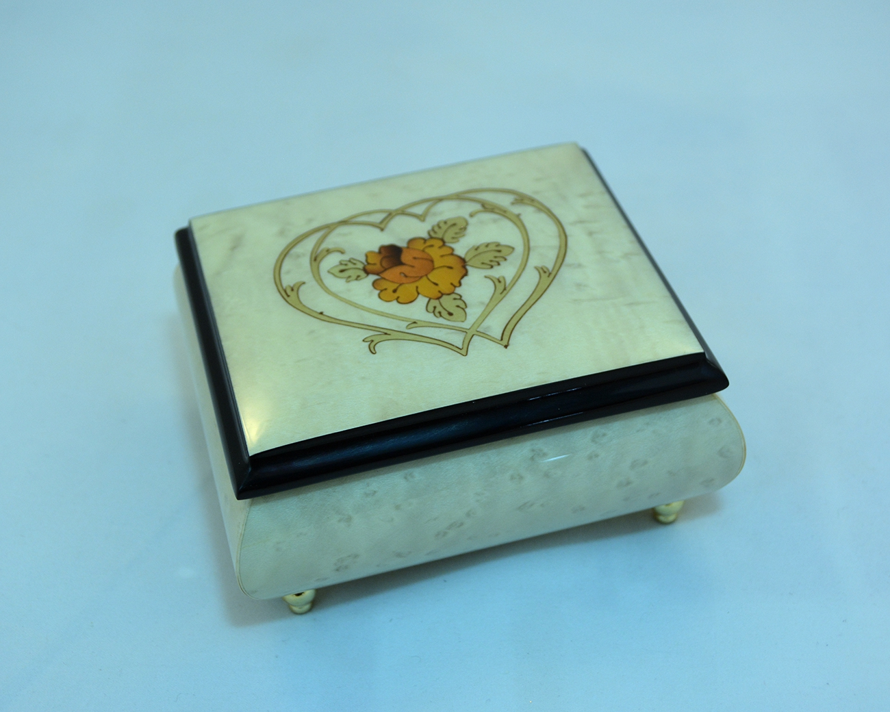 Creme Heart Duo Music Box