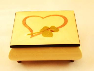 White High Gloss Music Box with Heart and Shemrock