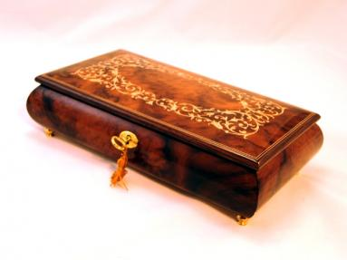 Arabesque wood inlay music box