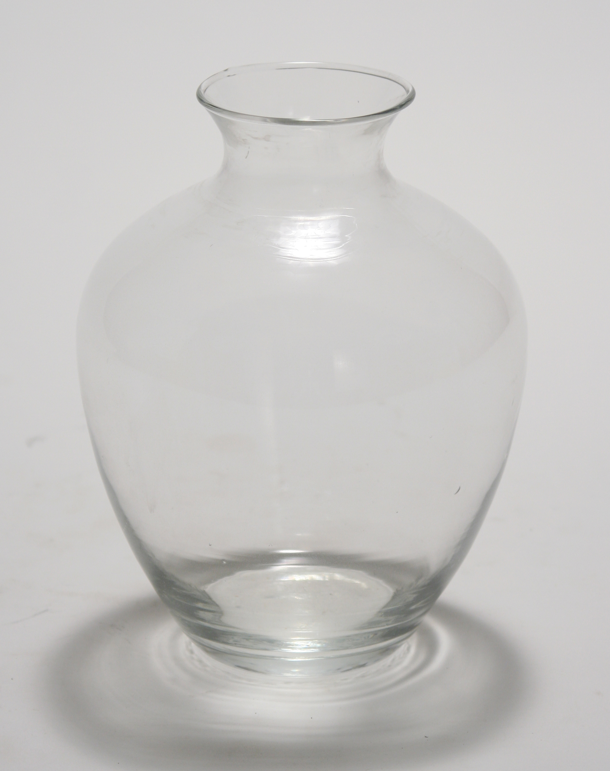 9' Clear Glass Victoria Vase