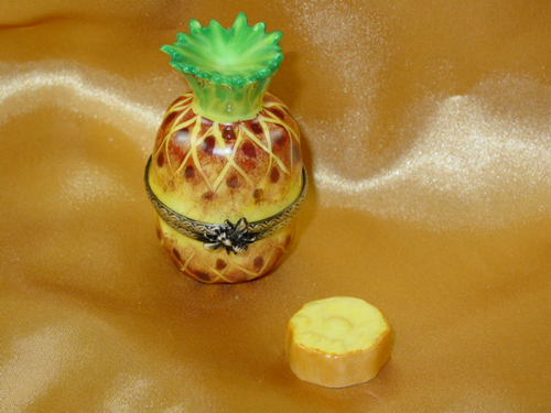 Pineapple with slice