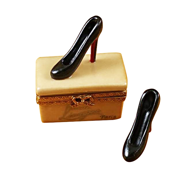 SHOE BOX WITH STILETTOS