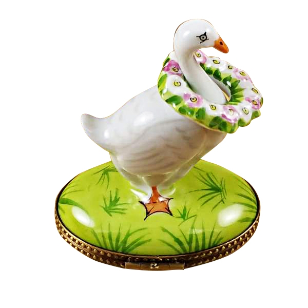Goose with spring wreath
