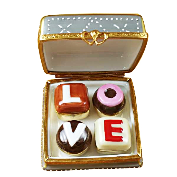 SQUARE BOX W/CHOCOLATES