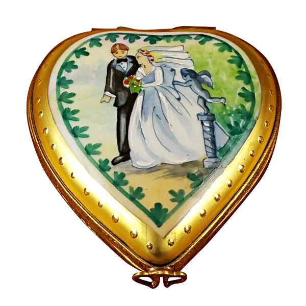 Studio collection - heart w/wedding couple