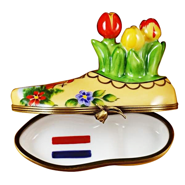 Dutch clog with tulips