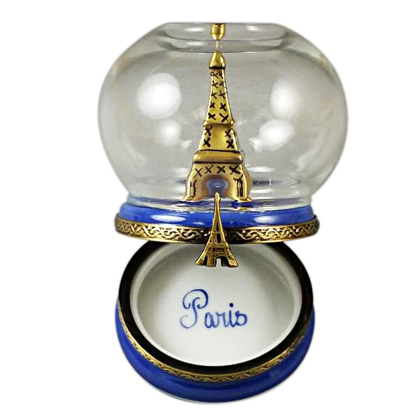 EIFFEL TOWER IN GLOBE