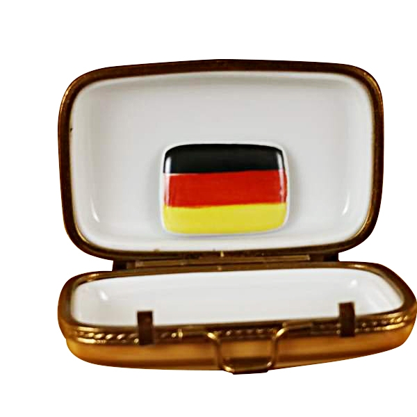 German travel suitcase w/flag