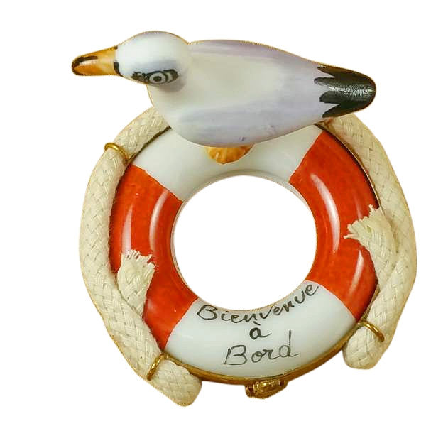 SEAGULL ON BUOY