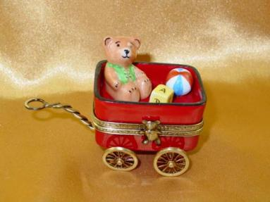 Red wagon with bear
