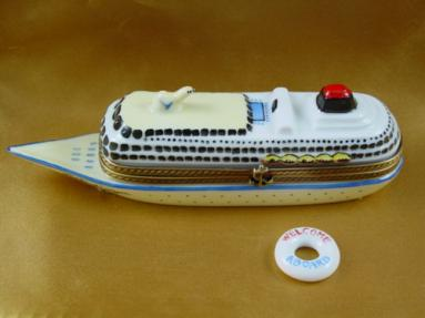 Cruise ship with lifebuoy
