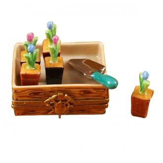 Flower box w/shovel