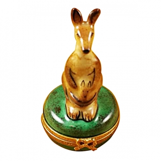 KANGAROO ON ROUND BOX
