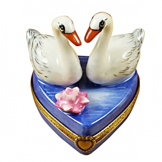 Two swans on heart