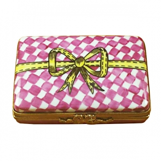 Pink/White Gift Box with Chocolates