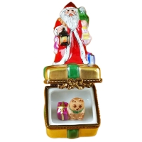 Santa on box w/gifts & lantern