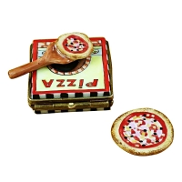 Pizza box w/pizza
