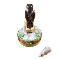 FALCON WITH MOUSE