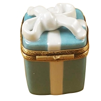 TIFFANY BLUE GIFT BOX