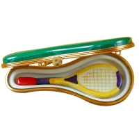 TENNIS RACQUET IN CASE