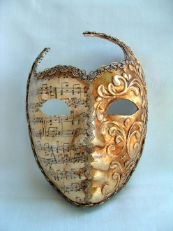 Roman Face Cut Out Music/Gold Stucco