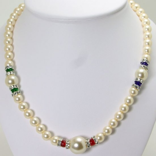 Short necklace strand of murano glass beads with crystals