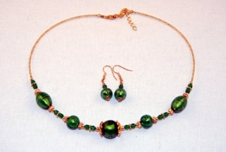 Emerald murano glass oval and globes necklace and earrings