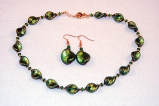 Emerald murano glass small twists necklace and earrings