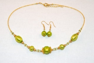 Lime murano glass oval and globes necklace and earrings