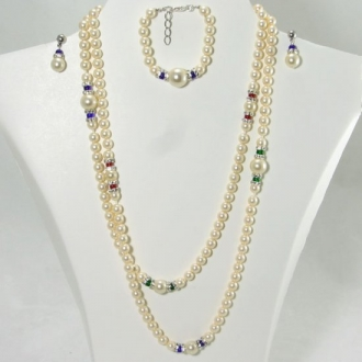 Necklace with murano glass pearl beads