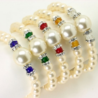 Elegance bracelet of pearls with crystal accents