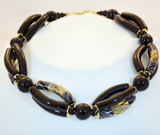 Black Murano Elongated Bead Piega necklace